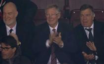 تصفيق السيروالجمهور لفان بيرسي بعد هدفه في مانشستر