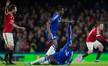إصابة خطيرة لزوما في مباراة مانشستر يونايتد