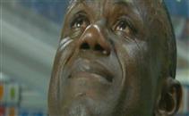 بكاء مدرب غينيا اثناء النشيد الوطني لبلاده