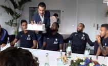 احتفال منتخب فرنسا بعيد ميلاد أومتيتي