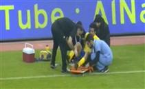مراوغة لاعب الفيصلي تتسبب في اصابة لاعب النصر