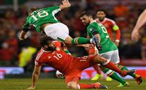 إصابة قوية لكولمان لاعب ايرلندا امام ويلز