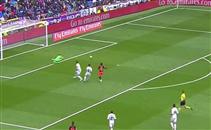 اوريلانا لاعب فالنسيا يهدر فرصة هدف امام ريال مدري