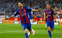لحظة تتويج برشلونة بكأس ملك أسبانيا