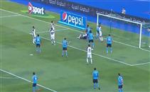 لاعب الوحدة يهدر فرصة هدف امام الفيصلي الاردني