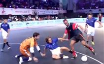 مهارة رونالدينيو في كرة الصالات