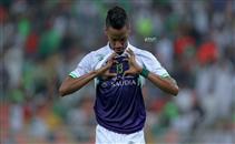لاعب أهل جدة يهدى هدفه لعبد الشافي