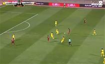 صالح جمعه يصنع هدف أمام أحد