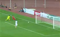 السومة يستغل خطأ مدافع قطر ويسجل هدف