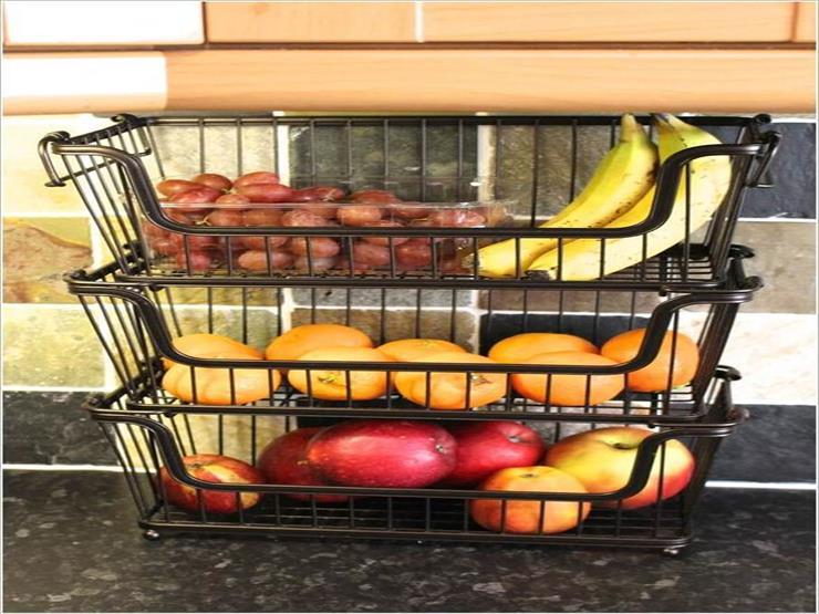 3- تخزين الفواكه والخضروات في وحدات تخزين من السلال المعدنية أو البلاستيكية.
