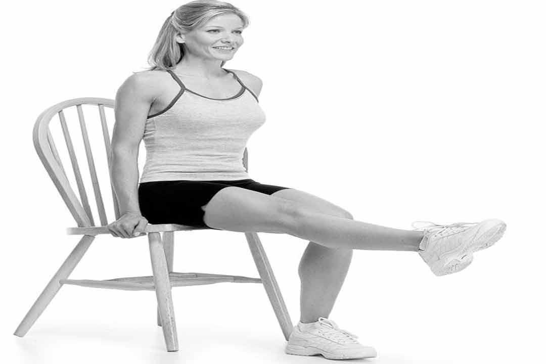 الجلوس-مع-رفع-الساق
