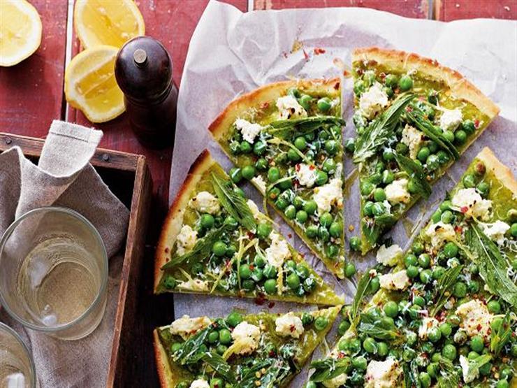 بيتزا بالبازلاء الخضراء