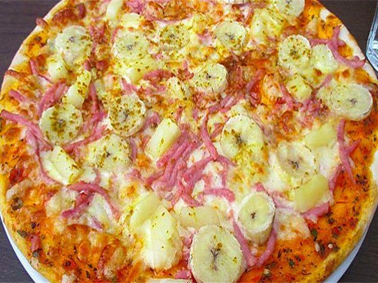 بيتزا الموز والاناناس