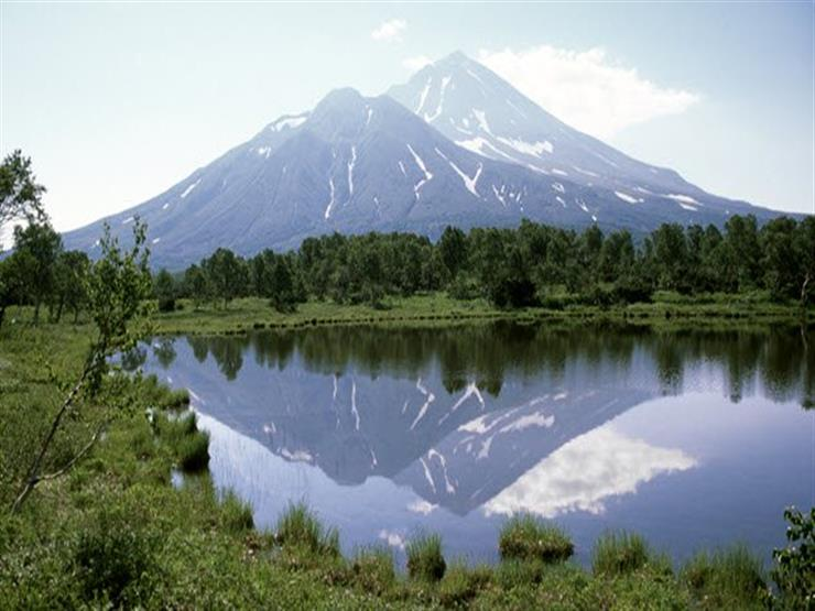 5b-volcano-kamchatka-172347315