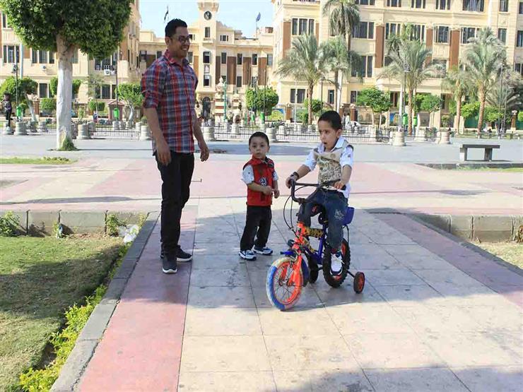 رئيسية-أحمد ومنار يحتفلان بالعيد لأول مرة خارج المنزل  (2)