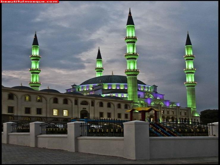 مسجد نيزامي
