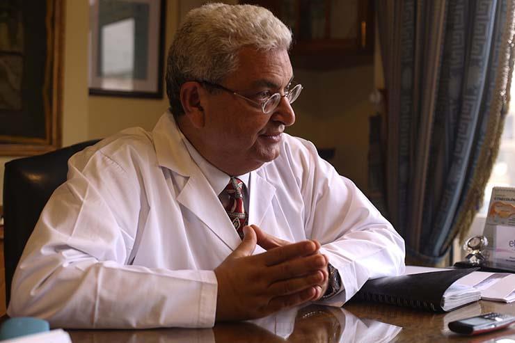 الدكتور عبدالمجيد رمزي مؤسس ورئيس وحدة تأخر الإنجاب