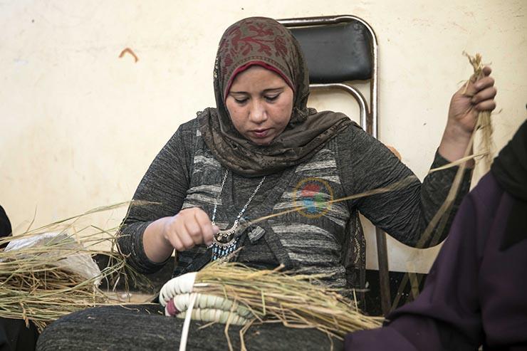 ورشة لتعليم صناعة الخوص في البرلس