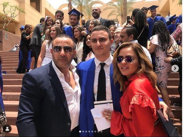 أحمد السقا ومها الصغير ويتوسطهما نجلهما ياسين