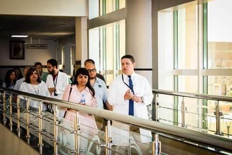المدير الإقليمي للبنك الدولي تشيد بمستوى الخدمة بمستشفى أرمنت (2)