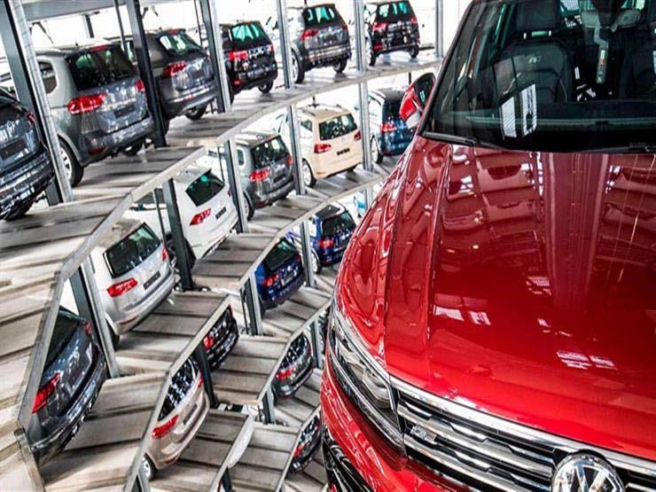 ما قرارات قمة السيارات بشأن تكنولوجيات المستقبل التي أشاد بها أكبر صانع بالعالم