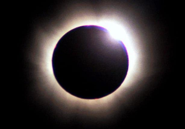 السبت القادم.. خسوف كلي للقمر لا يمكن رؤيته في مصر