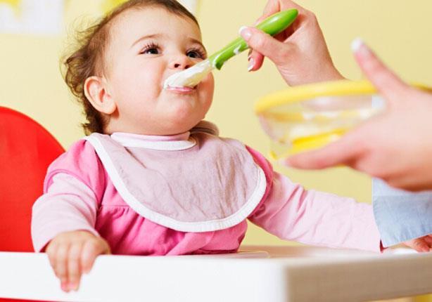 5 أطعمه يتناولها طفلك في السنة الأولى