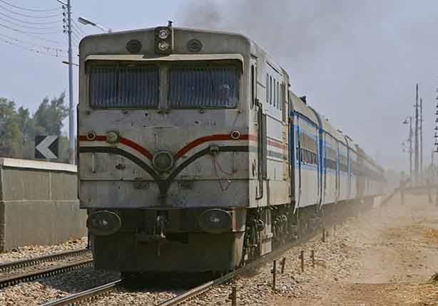 عودة حركة القطارات بالوجه القبلي بعد توقف لأكثر من نصف ساعة