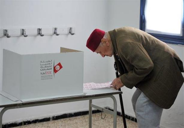"""في تونس """"صوّت لمن تشاء"""" في أول انتخابات رئاسية بعد الثورة"""