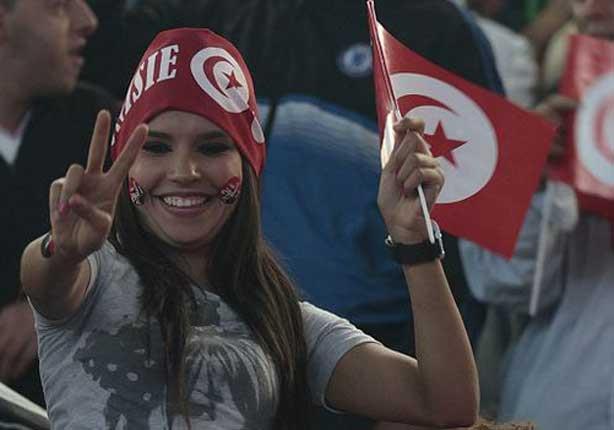 الناخبون في تونس يدلون بأصواتهم في انتخابات الرئاسة