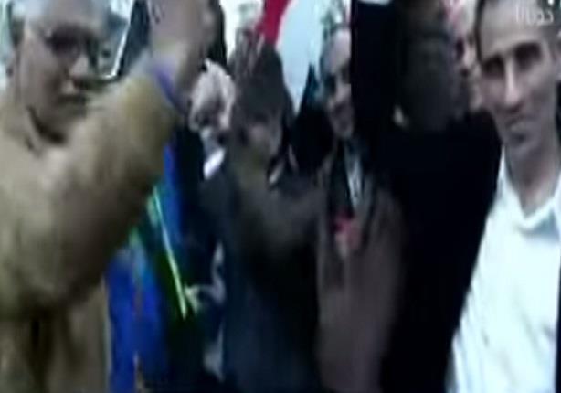 """أحمد موسى يرقص على أغنية """" بشرة خير """" مع الجالية المصرية فى روما"""