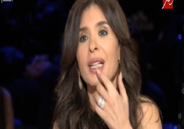 دينا: بطلت البوس فى الافلام لإن احمد زكى فتحلي شفتي اللي تحت
