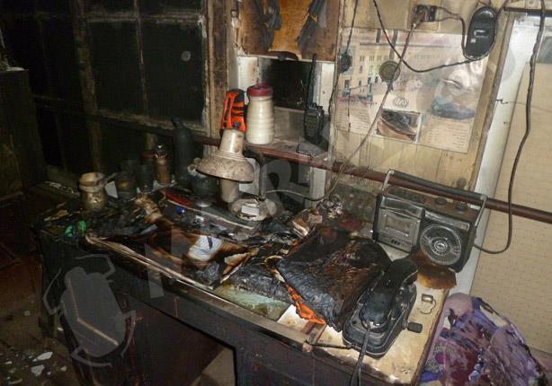 بالصور- ملثمون يشعلون النيران في بلوك سكة حديد بالدقهلية.. وأهالي يطاردونهم