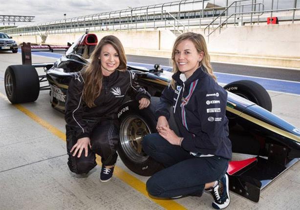 أول أمرأة تشارك بسباقات فورمولا 1 منذ 20 عاماً