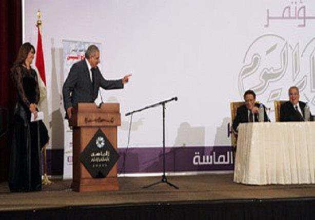 ماذا قال عادل إمام لرئيس الوزراء.. وتعليق خيري رمضان