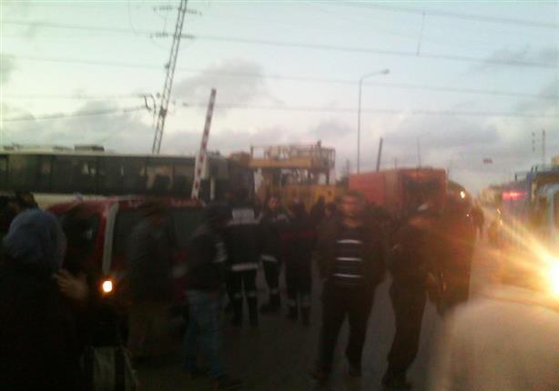 مصرع وإصابة 38 شخصَا في صدام بين حافلة وقطار بتونس