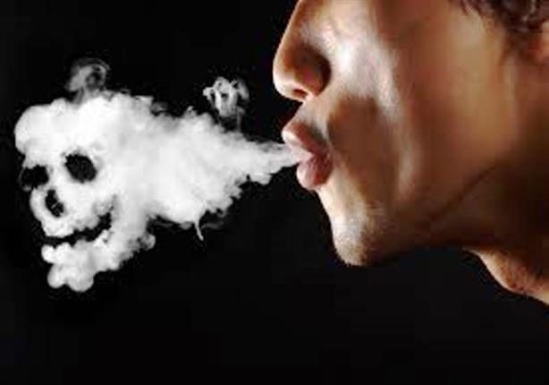 مهندس كمبيوتر يكشف كيف انجرف للإدمان من سيجارة