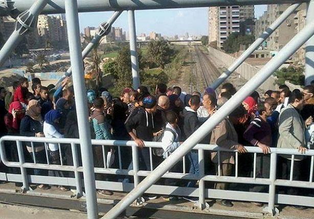 بعد أزمة تكدس المواطنين عليه..