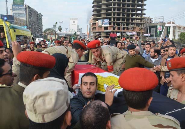 بالصور..تشييع جثمان ضابط الجيش شهيد تفجير مدرعة العريش بالدقهلية