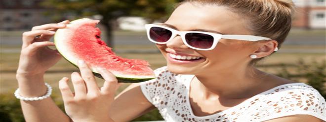 ستة فوائد صحية لأكل البطيخ الأحمر