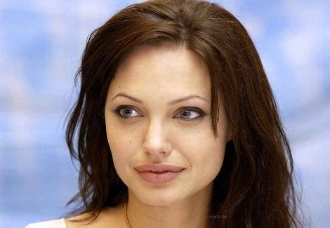 انجلينا جولي تعتزل بعد تجسيد ملكة مصر كليوباترا