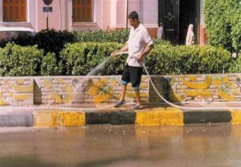 ألف جنيه غرامة غسيل السيارات ورش الشوارع بمياه الشرب بالبحيرة