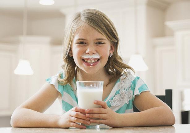 شرب الحليب يزيد من وزن الطفل