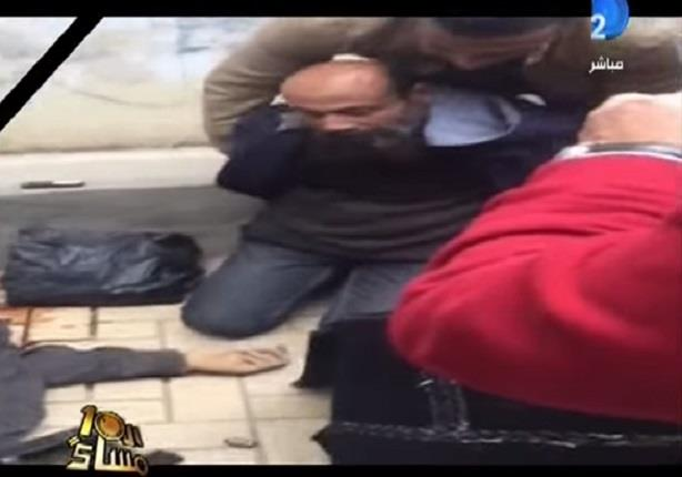 لحظة القبض على احد المنتمين للجماعة الارهابية بعد تبادل اطلاق النار بالاسكندرية