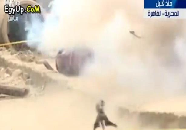 لحظة نجاح خبراء المفرقعات فى ابطال مفعول قنبلة وتفجيرها بميدان المطرية