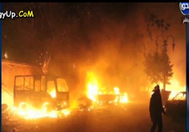 شاهد حرق مجلس مدينة كرداسة وتفحم عدد كبير من السيارات