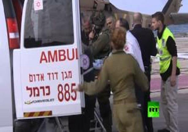 لحظة نقل جرحى الجيش الإسرائيلي الى إحدى مستشفيات حيفا عقب استهداف دوريتهم