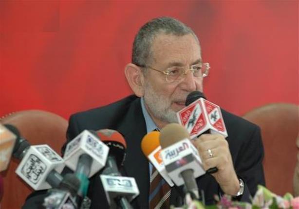 """القيعي يدرس الاعتذار عن منصبه في الأهلي بسبب """"بيسيرو"""""""