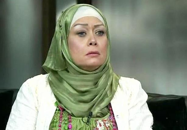هالة فاخر تبدأ برنامجها الجديد برسالة لـ محمد منير