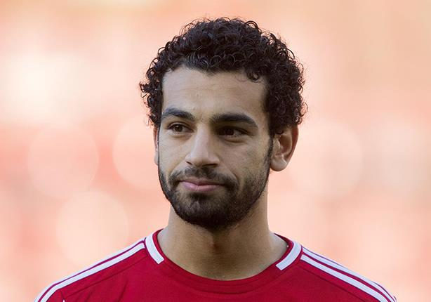 كيف تابع صلاح مباراة المنتخب المصري وتشاد؟  صورة